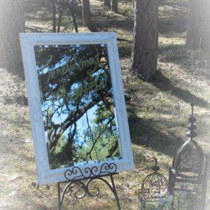 Peeglid, raamid, tahvlid ja molbertid