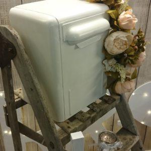 Kohvrid, laekad, karbid ja postkast